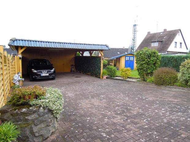 Carport hinteres Haus